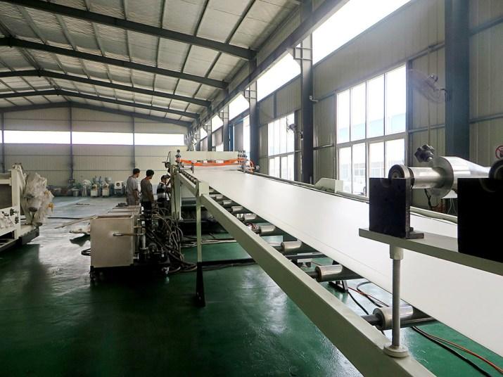 Máy sản xuất tấm nhựa PVC