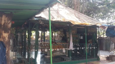 चिंचवड स्टेशन जवळील दर्गा
