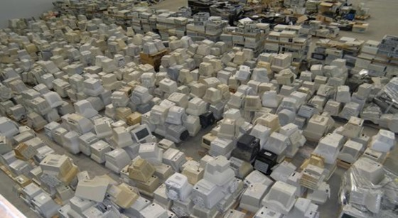 aerial-view-of-computer-pile-29---sml_80367_610_335