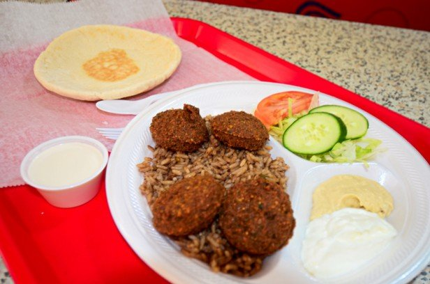 Chicago Apartments, Lincoln Park Food, The Great Falafel
