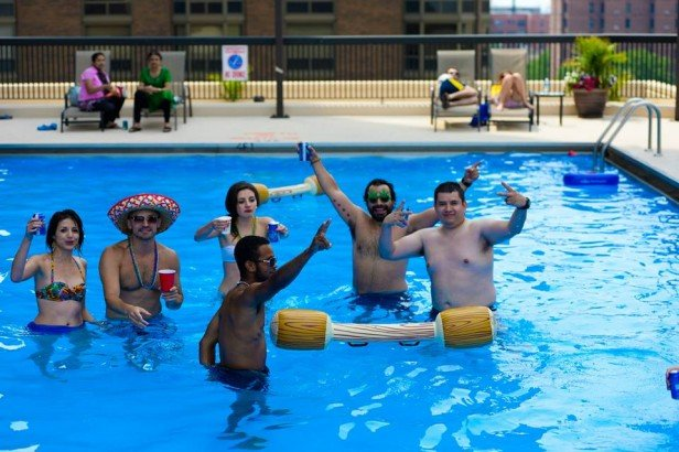 Chicago Apartments, Summer Activities