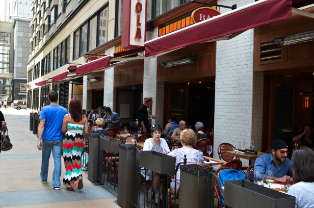 Chicago Apartments, Labriola Cafe and Ristorante