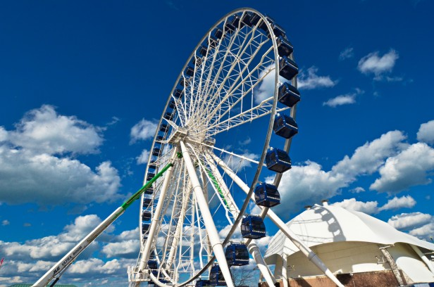Chicago Apartments, Navy Pier, Ferris Wheel