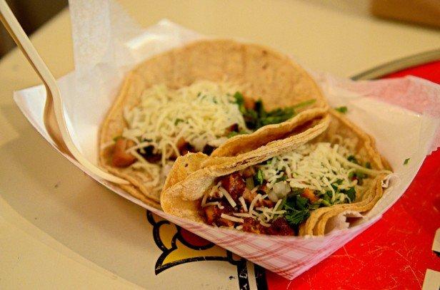 Chicago Apartments, Flacos Tacos, Ancho Chicken Taco