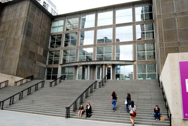 Chicago Apartments, Indoor Activities, Museum of Contemporary Art