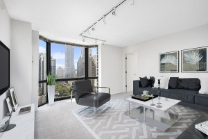 1111 N Dearborn Living Room with View Chicago Apartments Gold Coast - 1