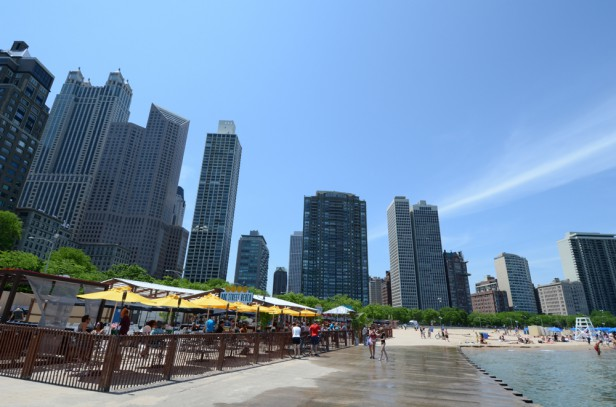 Chicago Apartments, Beachside Cafes, Oak Street Beach