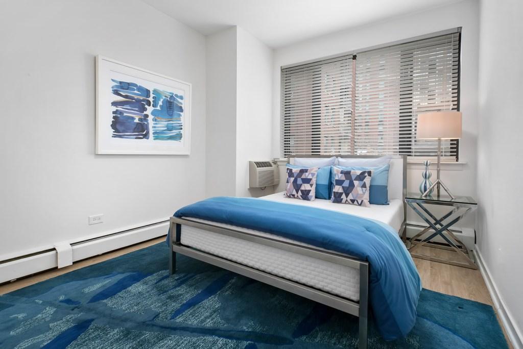 20 E Scott Bedroom Interior Chicago Apartments Gold Coast - 2