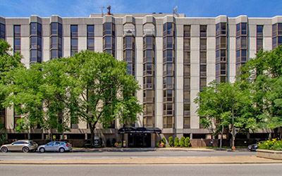 Chicago Apartments, Gold Coast, 1000 N LaSalle Exterior