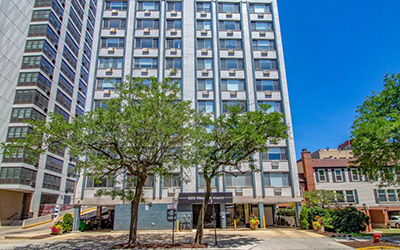 Chicago Apartments, Lakeview, 500 W Belmont Entrance