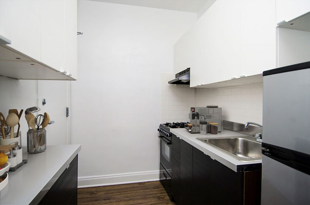 Chicago Apartments, Lakeview, 632 W Addison Kitchen