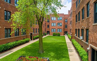 632 W. Cornelia Apartments