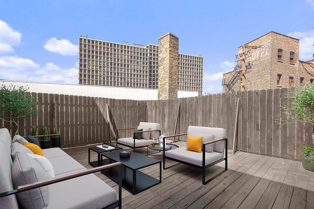 Chicago Apartments, Lincoln Park, 2727 N Clark Rooftop Sundeck