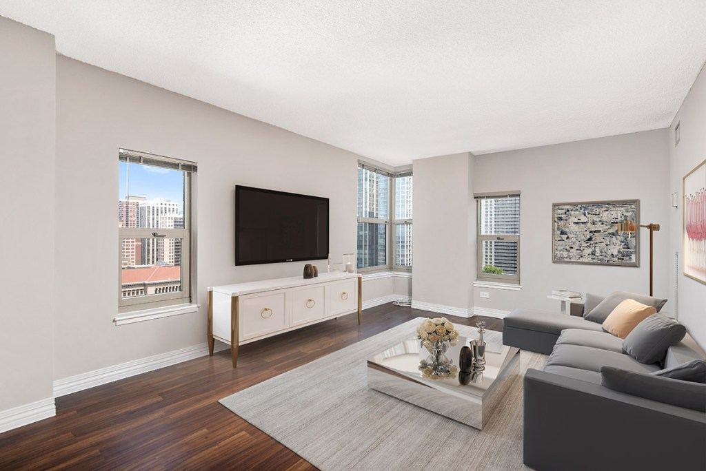 100 W Chestnut Living Room with View Interior Chicago Apartments River North - 2