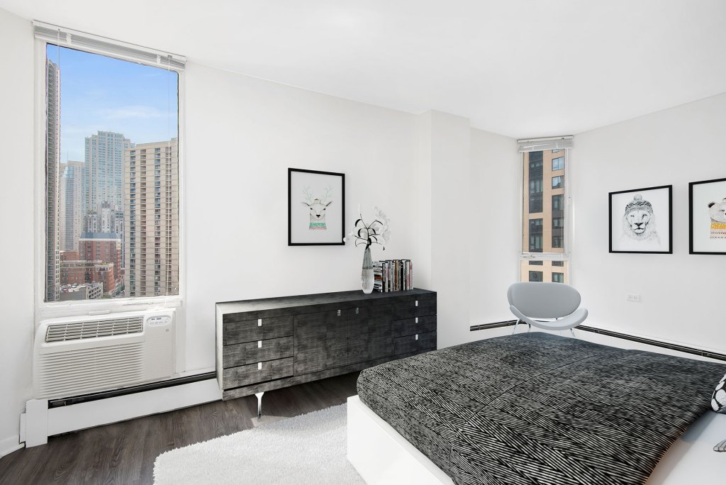 55 W Chestnut Bedroom with View Interior Chicago Apartments River North - 1