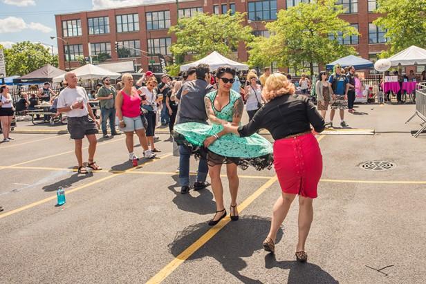 Chicago Apartments, Outdoor Festivals, West Fest