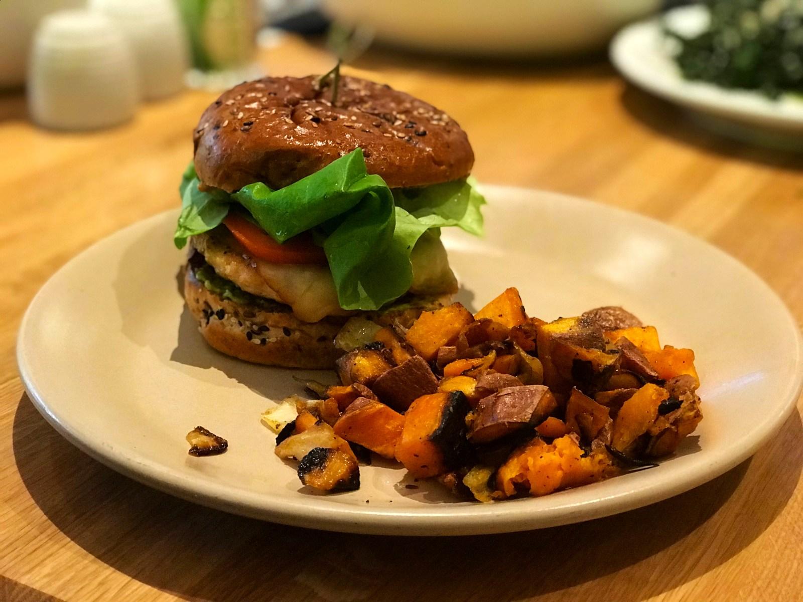 Chicago Apartments, True Food Kitchen, Turkey Burger