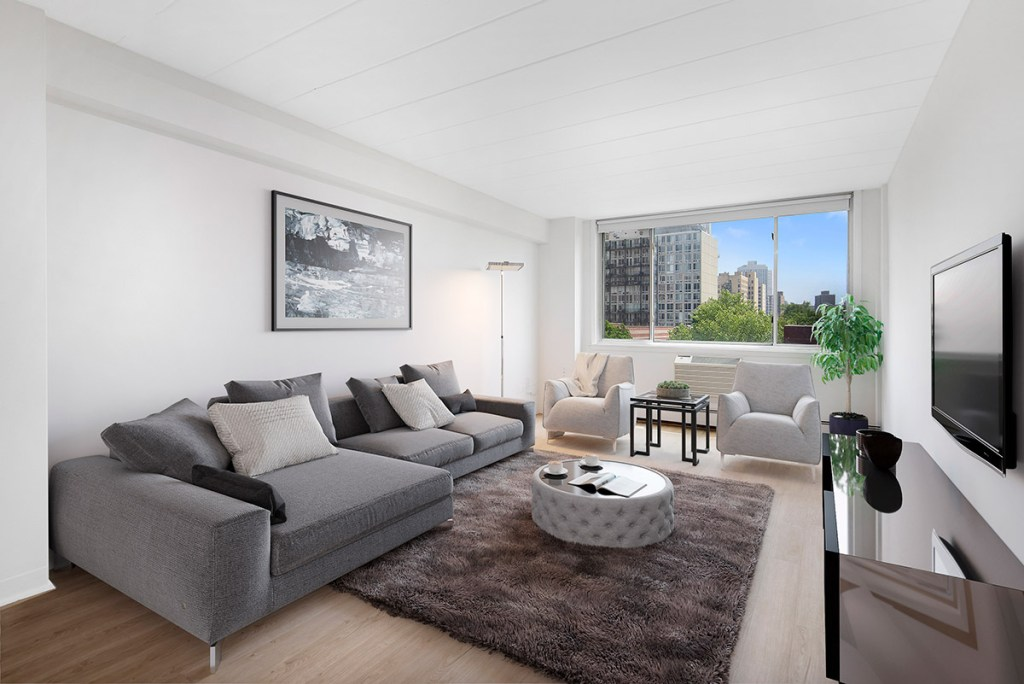Chicago Apartments, Lakeview, 500 W Belmont Living Room