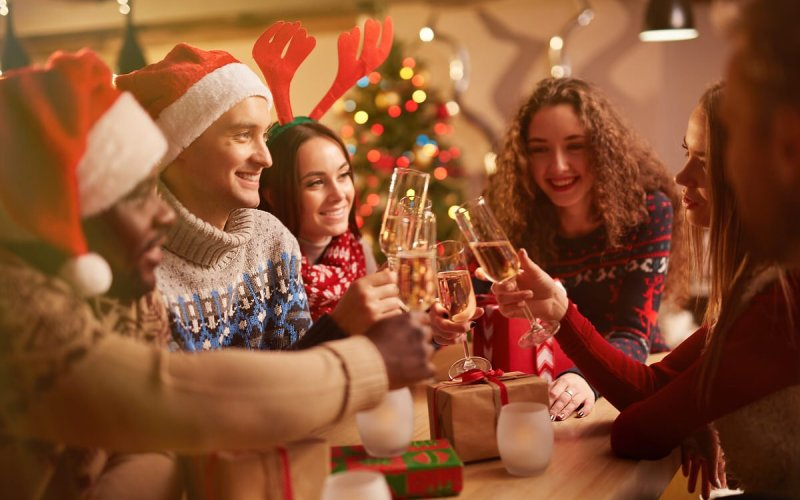 Chicago Apartments, Money Saving Tips, Holiday Party Tips