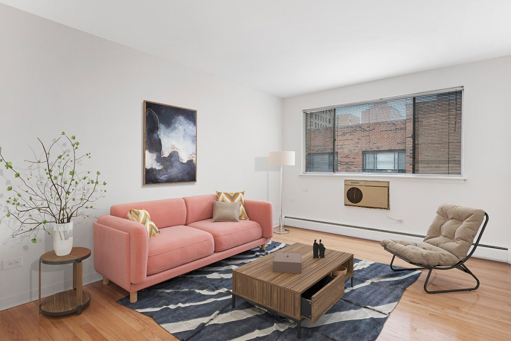 Chicago Apartments, Lakeview, 441 W Barry Living Room