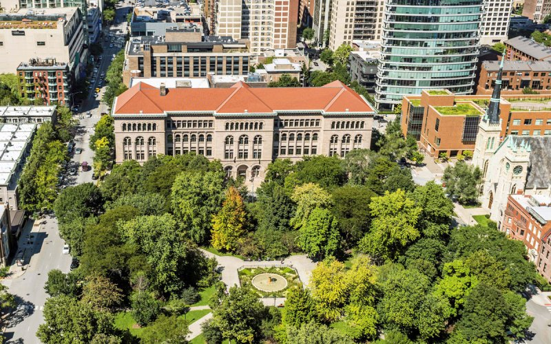Chicago Apartments, River North, Washington Square Park, Newberry Library