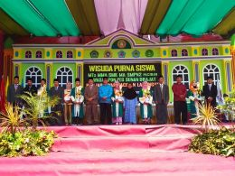 Wisudawan Wisudawati Terbaik pada Wisuda Purna Siswa 2018