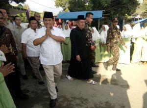 Bpk. H. Prabowo Subianto bersama Prof. Dr. KH. Abdul Ghofur