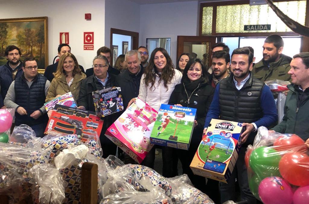 NNGG de Sevilla entrega 2.100 juguetes con destino a niños de familias desfavorecidas fruto de su campaña navideña