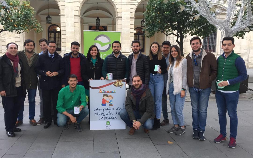 """Virginia Pérez participa en la campaña """"Ningún Niño sin Juguete"""" de Nuevas Generaciones"""