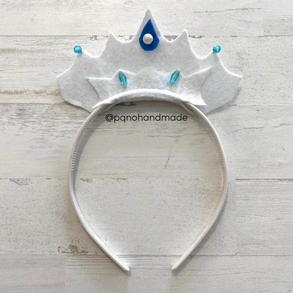 corona fieltro blanco con diadema