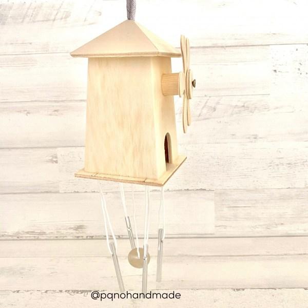 molino viento madera colgante de lado
