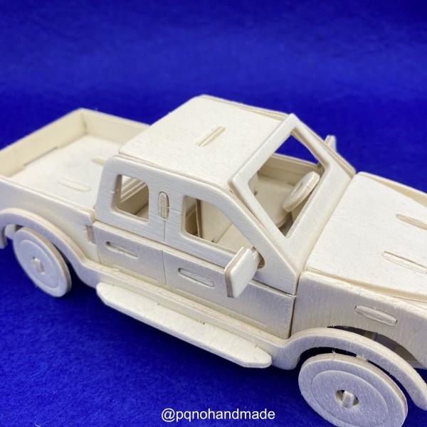 Coche furgoneta pickup para montar 3D y pintar detalle volante manualidades