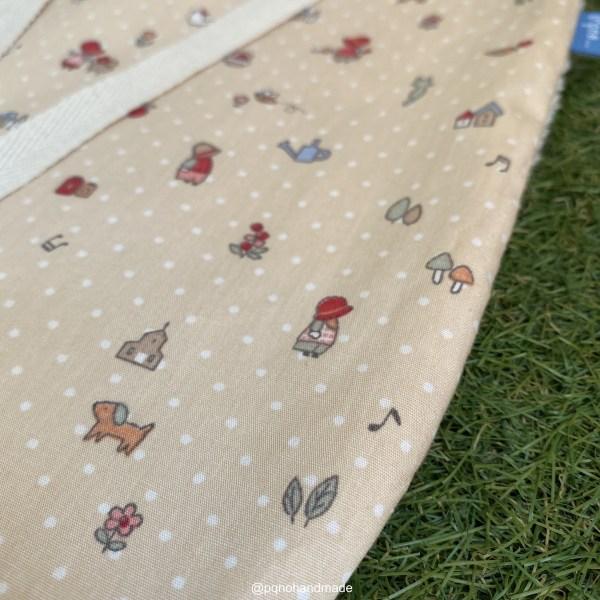 babero grande mini sunbonnet sue tela algodon artesanal detalle