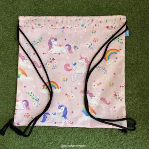 mochila cuerdas unicornio rosa tela algodon artesanal delante