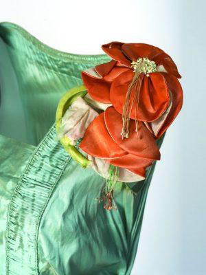 Цветок из ткани сшить своими руками