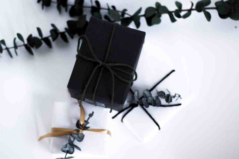 5 simple gift wrapping tips to a beautiful package