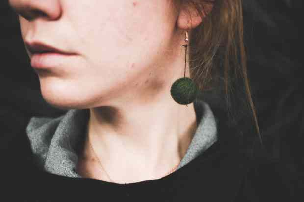 DIY felt ball earrings are so simple and quick. You can make them look exactly how you want, too!