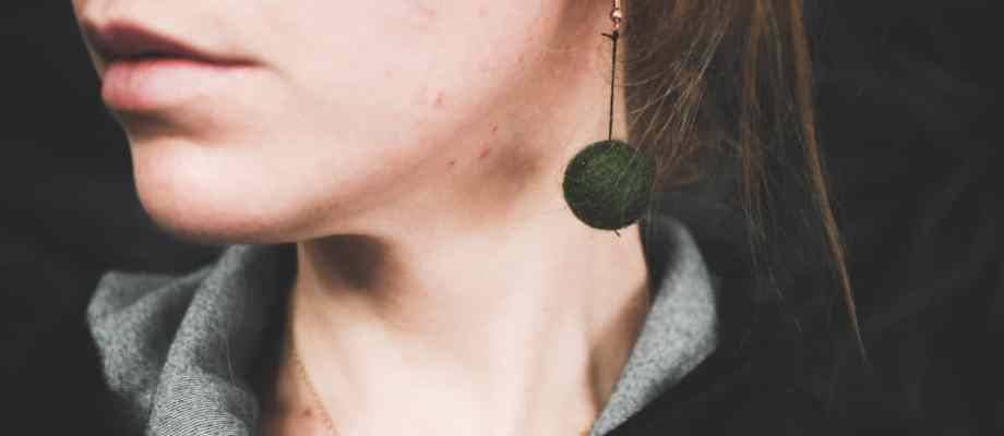 Felt Ball Earrings DIY