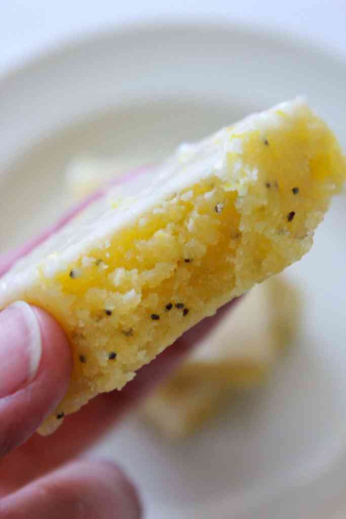 Glazed Lemon Poppy Seed Bar