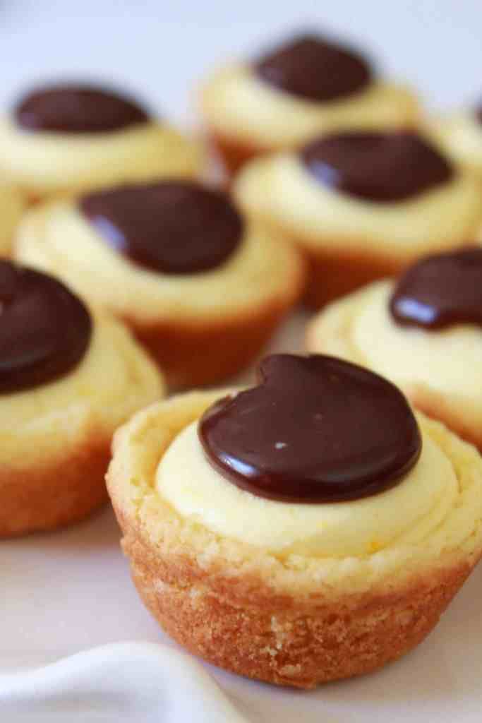 Boston Cream Pie Cookie Bites |