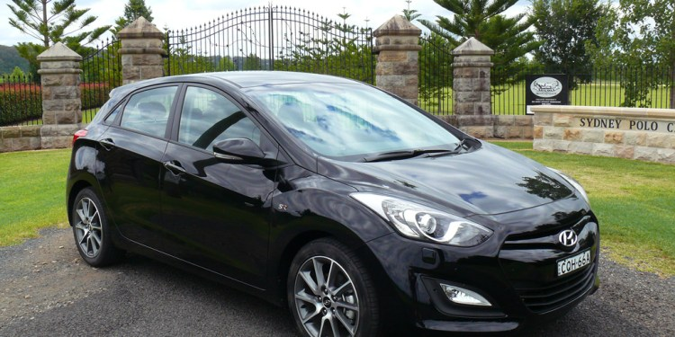 The Hyundai i30 SR doesn't get the sophisticated rear-end of the i30 SE