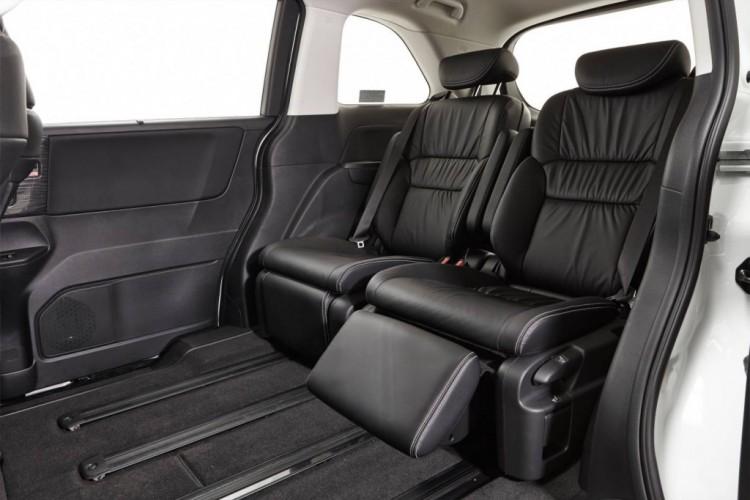 Honda VTi-L interior with reclining seats