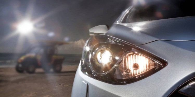 how to adjust an i30's headlight