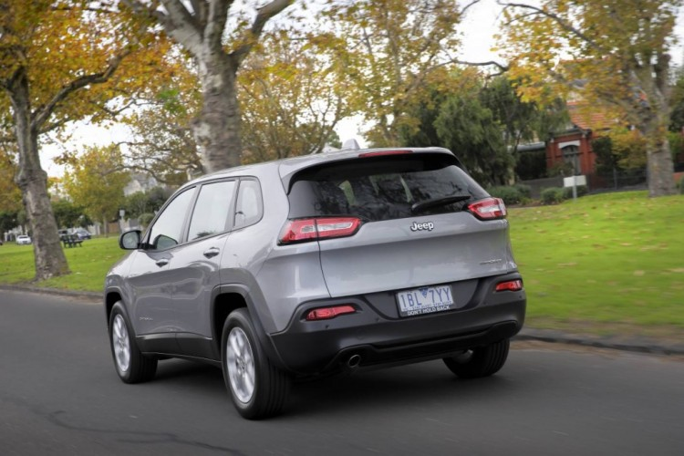 2014 Jeep Cherokee Sport review