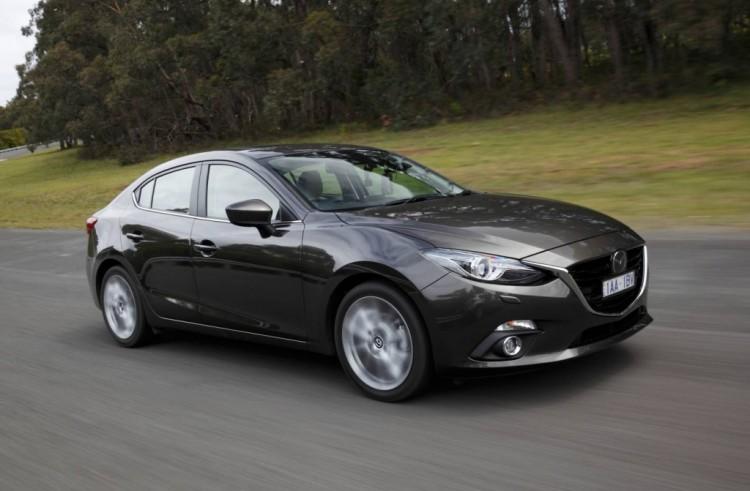 2014 Mazda3 SP25 sedan review