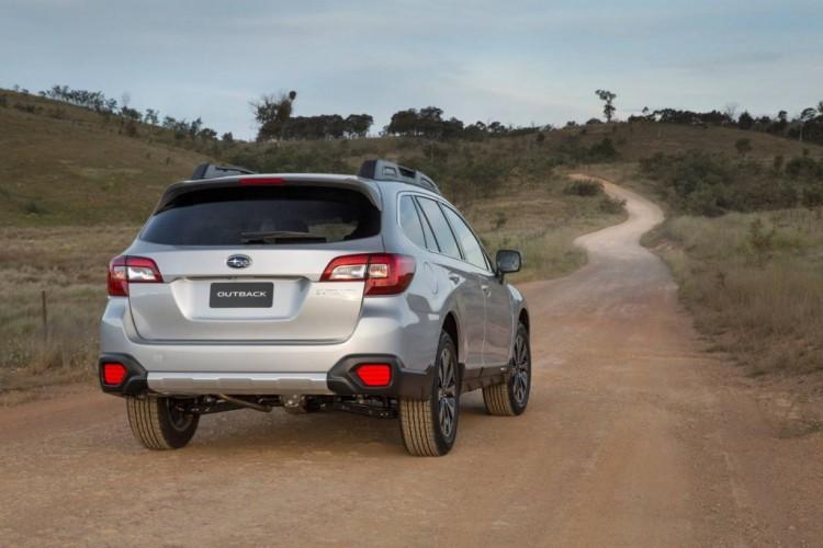 2015 Subaru Outback preview