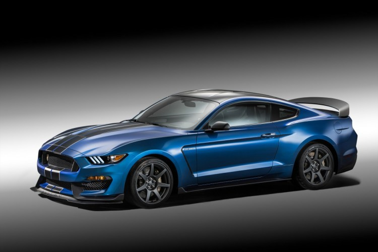 2015 Ford Shelby Mustang GT350R revealed