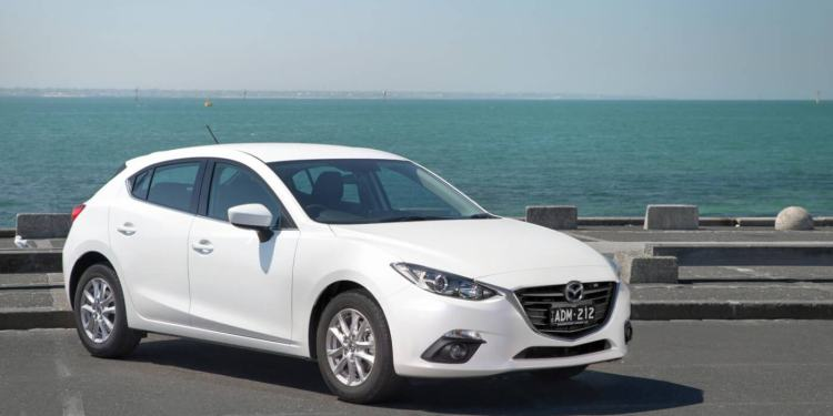 2015 Mazda3 Maxx review