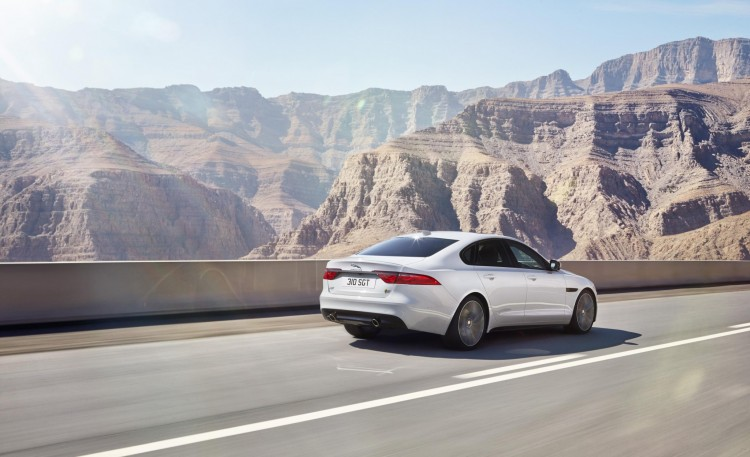 2016 Jaguar XF revealed