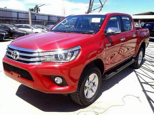2016 Toyota HiLux revealed